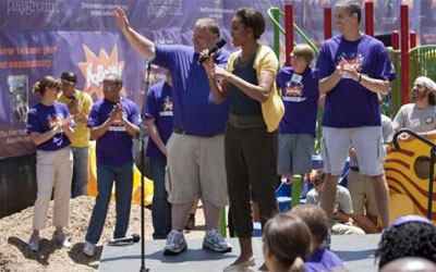 Michelle Obama Helps KaBOOM! Build Playground