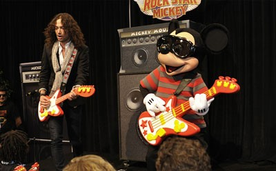 Broadway Star Goes with Rock Star Mickey