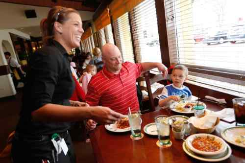 Olive Garden Offers Free Kid's Meal