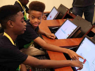 Minority Male Maker Program Created for STEM Education