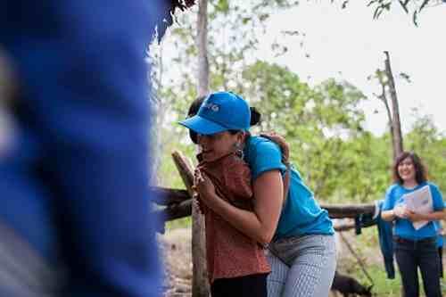Katy Perry Meets Poor Children in Viet Nam