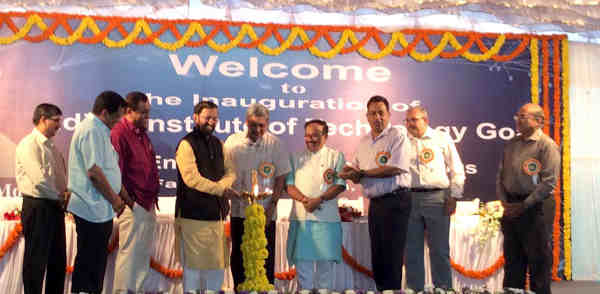 Prakash Javadekar lighting the lamp at the inauguration of the IIT-Goa, at Farmagudi, in Ponda, Goa on July 30, 2016