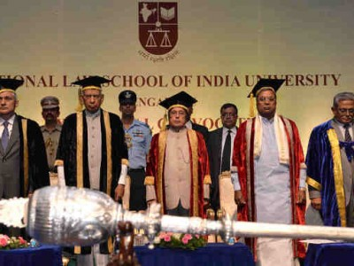 President Exhorts Law Students to Save the Rights of People