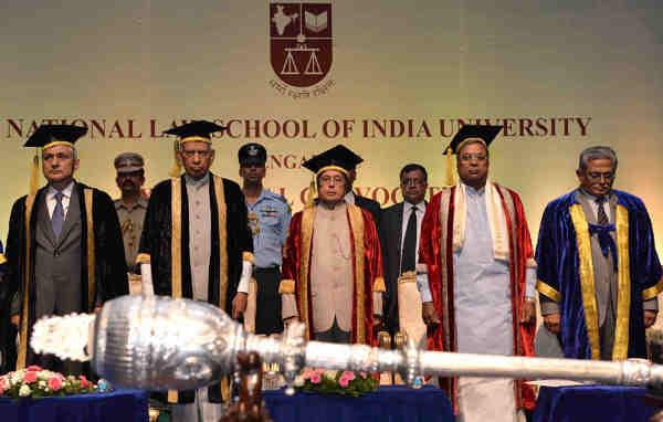 The President, Pranab Mukherjee at the 24th annual convocation of the National Law School of India University, Bangalore, in Karnataka on August 28, 2016. The Governor of Karnataka, Vajubhai Rudabhai Vala, the Chief Minister of Karnataka, Siddaramaiah and the Chief Justice of India, Justice T.S. Thakur are also seen.
