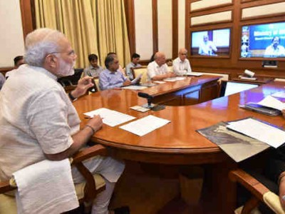 Narendra Modi Asks to Resolve Grievances of School Students
