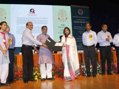 Teachers Felicitated for Innovations in Classroom Teaching