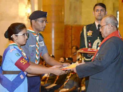 President of India Presents Awards to Scouts and Guides