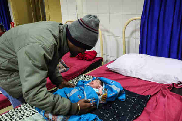 A 3.5kg newborn, yet to be named, was born almost precisely on the eve of the new year. The baby boy, born to Yasodha Solanki and Arvind Solanki, was birthed at the Government Civil Hospital in Bairagarh in the central Indian state of Madhya Pradesh, India. Photo: UNICEF