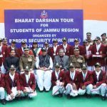The Union Home Minister, Shri Rajnath Singh in a group photograph with the students of Jammu region, on Bharat Darshan tour organised by Border Security Force (BSF), Ministry of Home Affairs, in New Delhi on January 26, 2018. Photo: Press Information Bureau