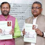 Prakash Javadekar releasing the curriculum on Experiential Learning – Gandhijis Nai Talim, in New Delhi on September 05, 2018