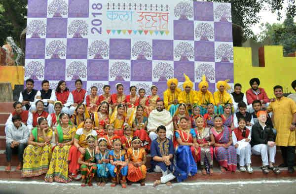 "Prakash Javadekar in a group photograph at the ""Kala Utsav -2018"" (Festival of Arts), at Bal Bhavan, New Delhi on December 12, 2018"